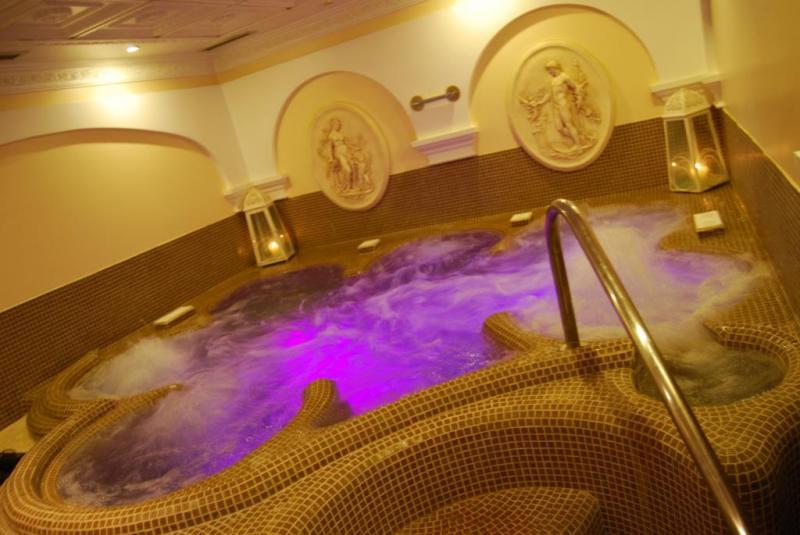 Hotel Bel Soggiorno**** s polopenzí - Toscolano Maderno  Italia Travel