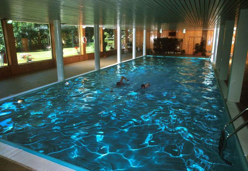 Hotel latemar s polopenz castello di fiemme - Hotel cavalese con piscina ...