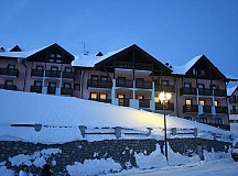 Hotel Residence Dahu*** s polopenzí (Family Junior Suite a Romantic Room) - Passo Tonale